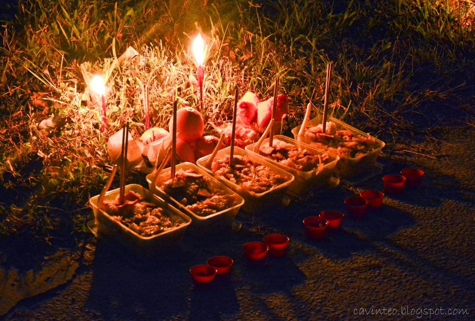 14 Visiting the Cemetery on Hungry Ghost Festival 2014 @ Lim Chu Kang Cemetery [Singapore] (Large)