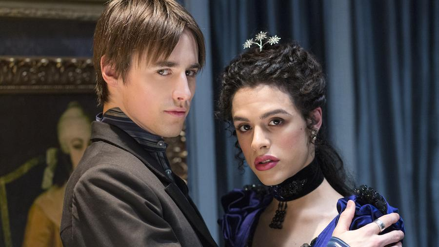 Reeve Carney as Dorian Gray and Jonny Beauchamp as Angelique in Penny Dreadful (season 2, episode 6). - Photo: Jonathan Hession/SHOWTIME - Photo ID: PennyDreadful_206_2310