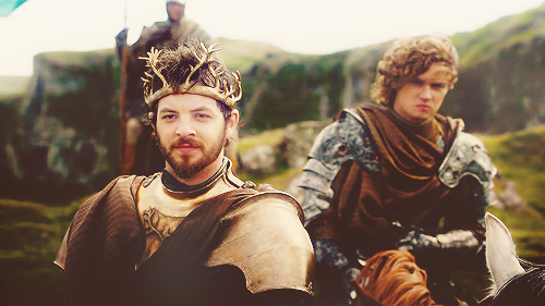 Renly-Loras-renly-and-loras-31735344-500-281