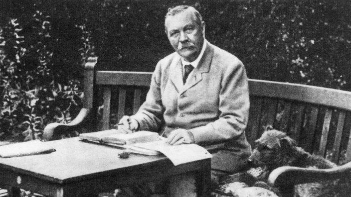 the-daily-owl-arthur-conan-doyle2
