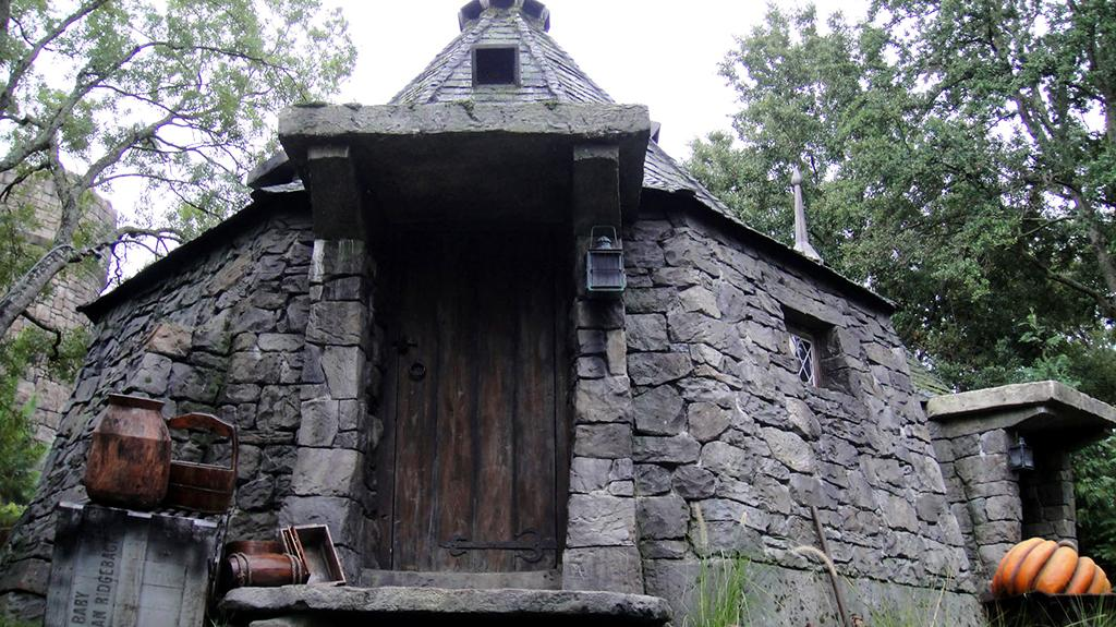 wizarding-world-hagrids-hut