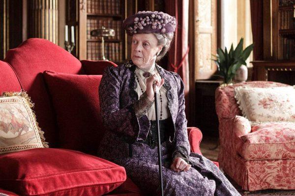Maggie-Smith-in-Downton-Abbey-2010-maggie-smith-22360641-1159-855