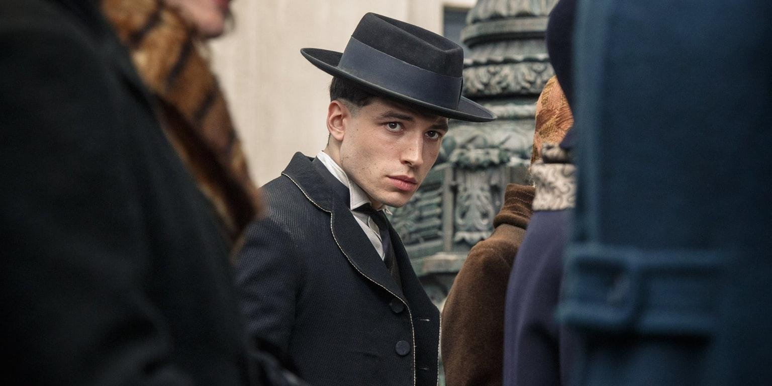 ezra-miller-as-credence-barebone-in-fantastic-beasts-and-where-to-find-them